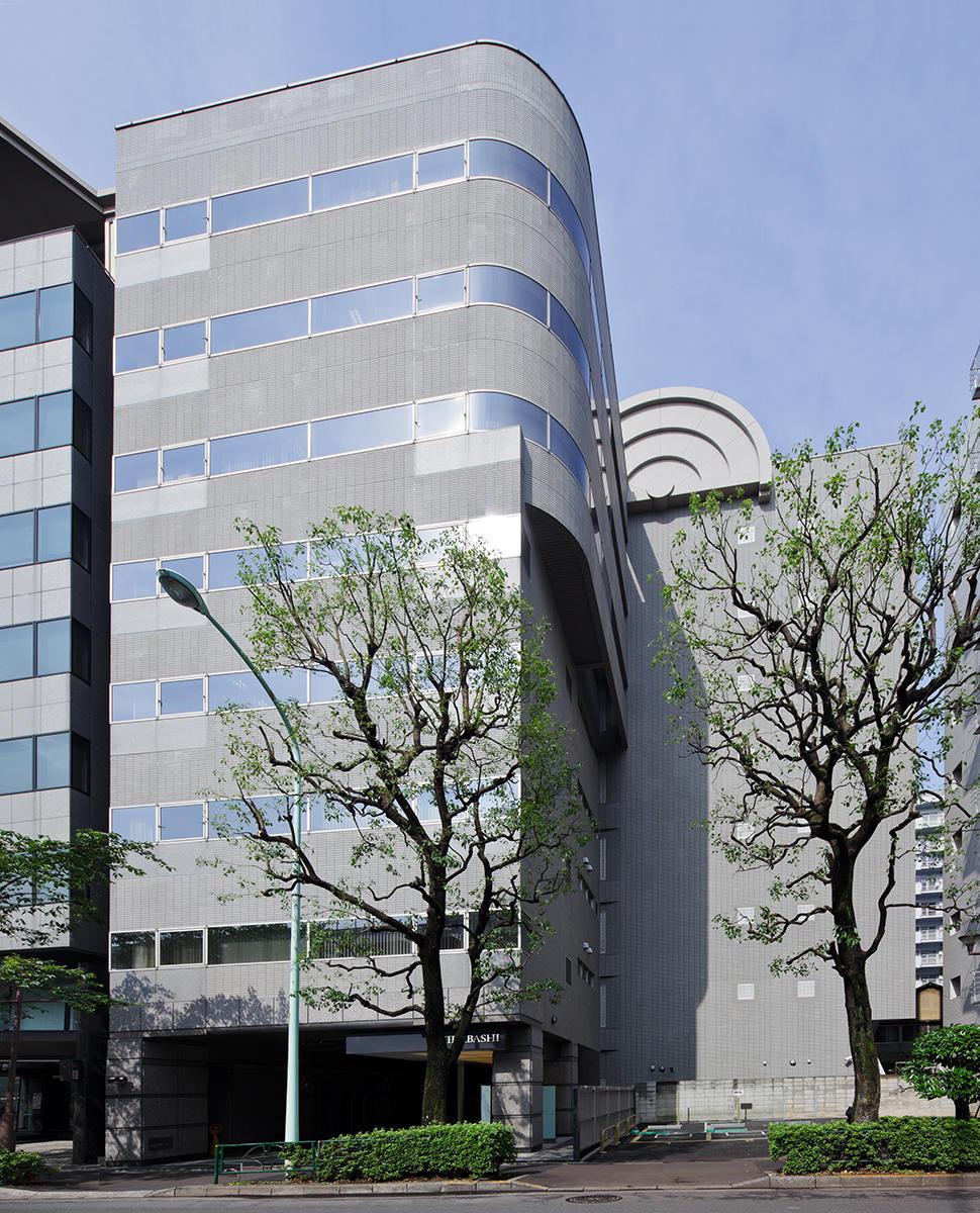 ケネディクスが什器付き短期型オフィス─飯田橋のビルを改修、クッシュマンが賃貸募集