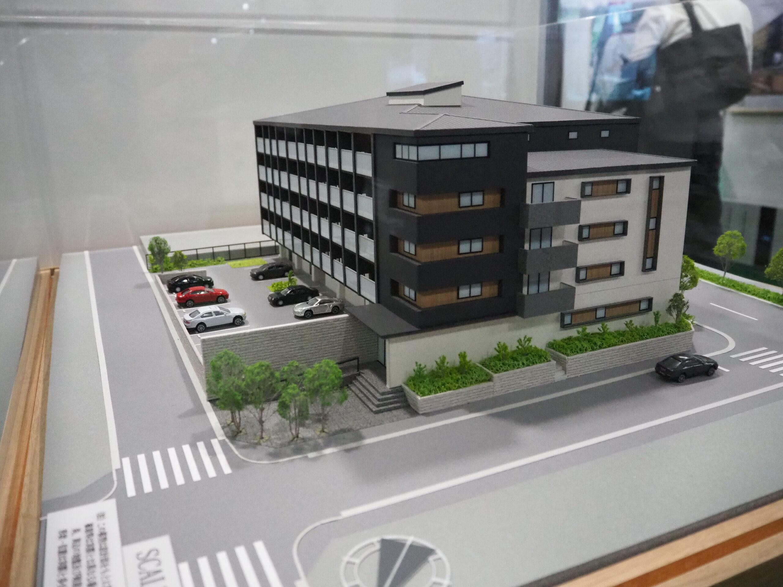 三井ホーム、木造マンションの1号棟を公開―NLTなど新技術を採用、旗艦モデルに